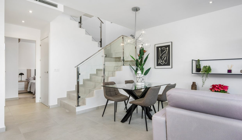 Villa-Rojales-richhomeR213001M.8-1240x720